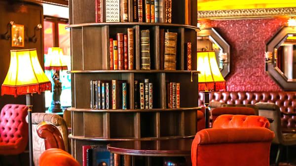 vue de la salle - Café Montparnasse, Paris-6E-Arrondissement
