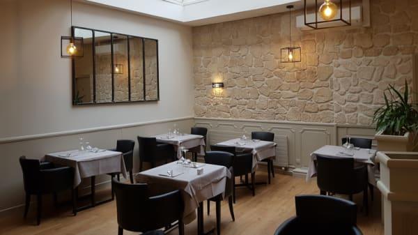 Salle du restaurant - L'Imprévu, Conflans-Sainte-Honorine