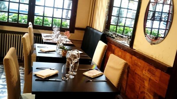 salle - Restaurant de l'Ecu de France, Malesherbes