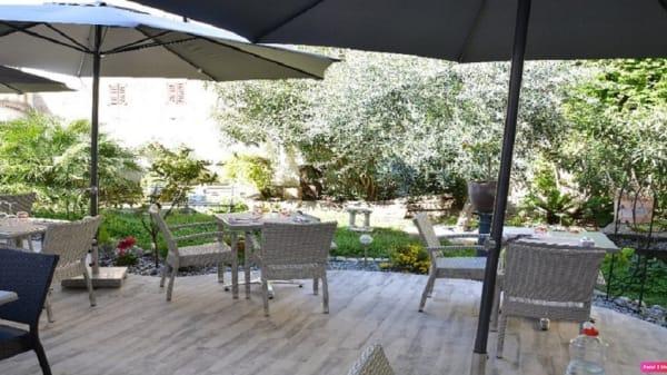 Terrasse - Le Jardin de Tienou, Pierrelatte