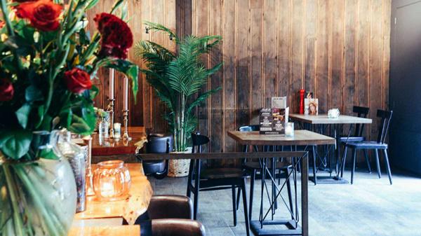 Het restaurant - Manzo's Bar Bistro, Zaandam