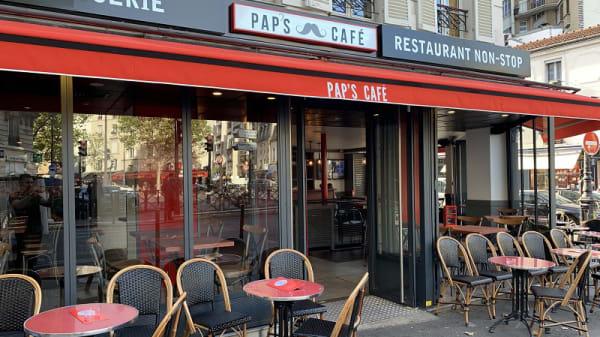 Vue de la terrasse - Pap's Café, Paris