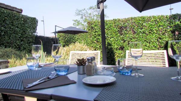 Terrasse - Hôtel Restaurant l'Hotan, Portet-sur-Garonne