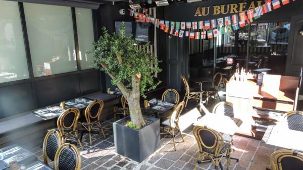 Patio intérieur - Au Bureau, Salon-de-Provence