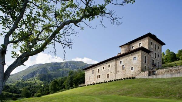 Narbasu - Palacio de Rubianes, Cereceda