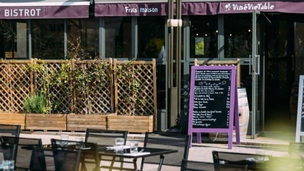 Terrasse - VinéVieTable Le Bistrot, Levallois-Perret