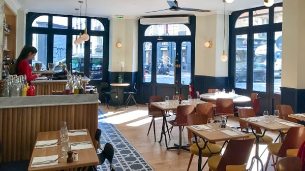 Salle du restaurant - Café Marmot, Paris