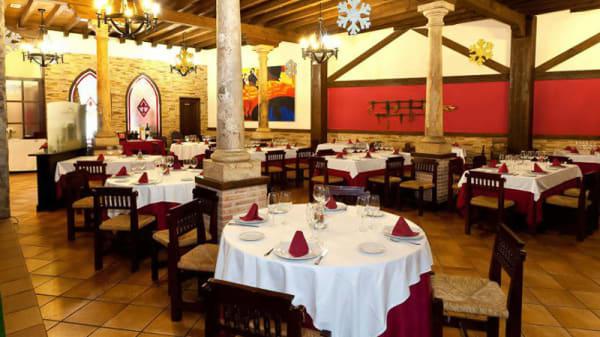 Sala del restaurante - Asador Zarabanda, Olias Del Rey