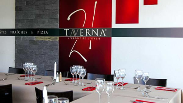 Salle - Taverna 21, Fontenay-sur-Eure