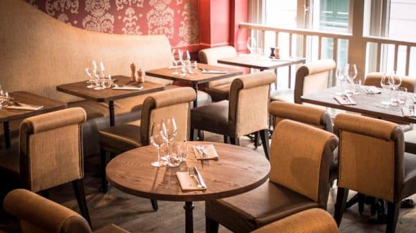 vue salle restaurant à vins paris - Au Père Louis, Paris