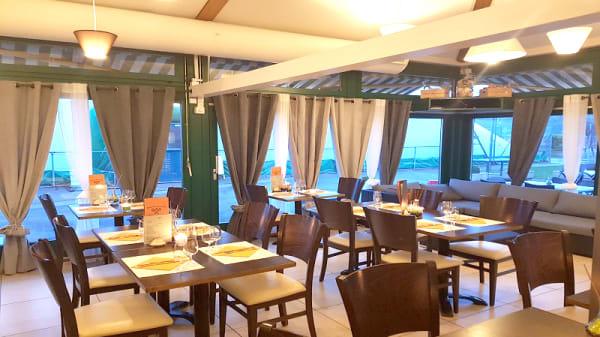 Vue de la salle - Tennis Club de Collonge-Bellerive, Collonge-Bellerive
