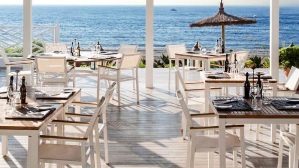 Terraza - Finca Cortesin Beach Club, Bahía de Casares