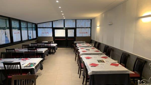 Vista sala - I Piaceri del Palato, Calderino