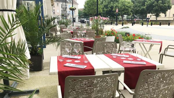 Vue de la terrasse - Le Carré Restaurant, Voisins-le-Bretonneux