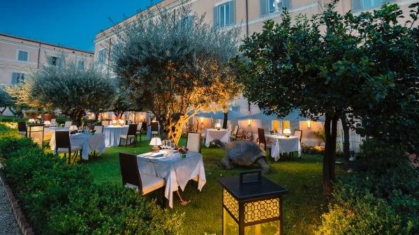 Unique Al Palatino Garden Restaurant, Roma