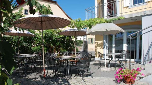 Terrasse - P'tit Pressoir, Lussy-sur-Morges