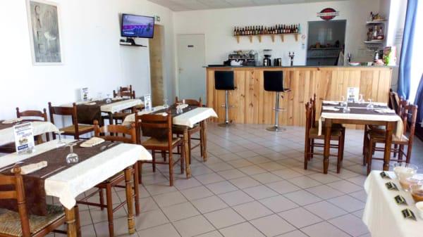 Salle du restaurant - Magee's, Bégadan