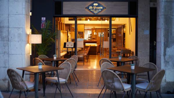 Terraza Restaurante La Greppia Paseo Mallorca - Restaurante La Greppia (Paseo Mallorca), Palma de Mallorca