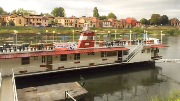 Facciata - Imbarcadero, Pavia