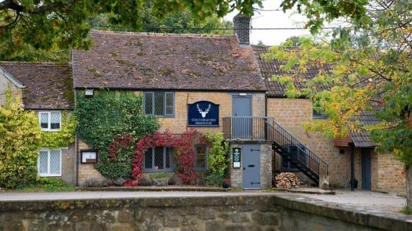 The Stag's Head Inn, Yarlington, Wincanton