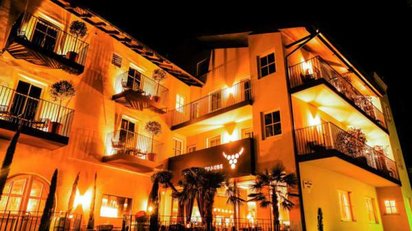 Facciata - Gasthof Goldene Traube, Termeno Sulla Strada Del Vino