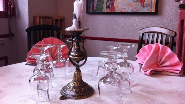 Détail de la table - Mazurka, Paris