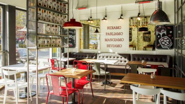 Vista interior - Ginos - Sor Ángela, Madrid