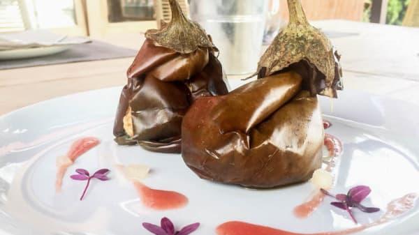Berenjena rellena con queso feta - Sabors, Sant Feliu De Guixols