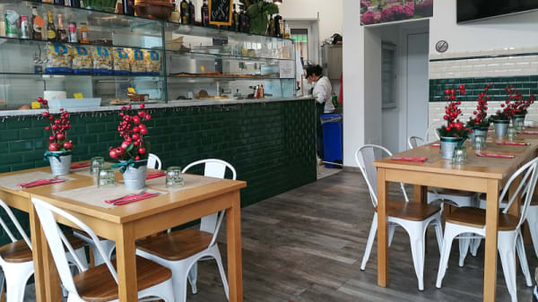 Interno - Trattoria Romana - Piatti Tipici e Grastronomia Chef Pier, Milan