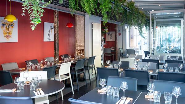 Vue de la salle - Les Petites Assiettes, Paris