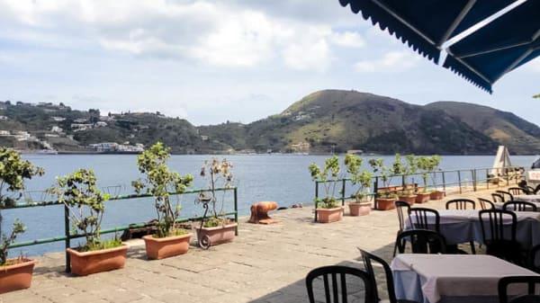 vista-terrazza - La Conchiglia, Lipari