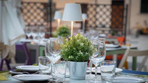 mise en place - WonderUmbria Enoteca Gourmet, Torgiano