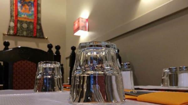 Détail de la table - The Tibetan Kitchen, Paris