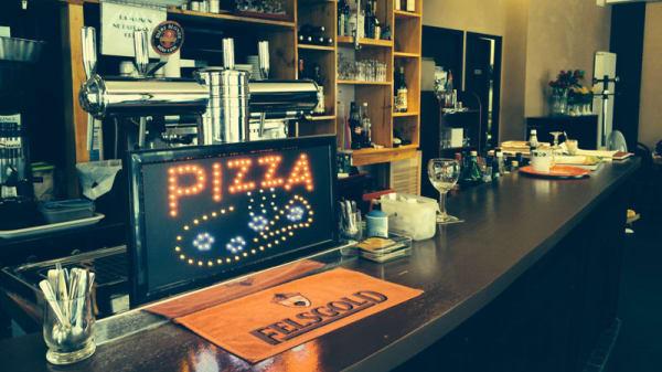 Bar - CHEZ CYRILLE, Paris