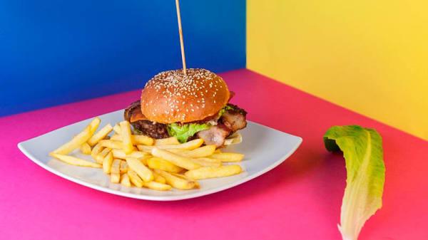 Nebraska burger - Cosmico Bowling, Tivoli