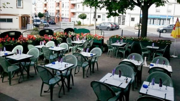 Salle - La Dolce Vita, Eaubonne