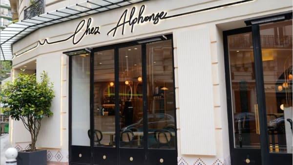 Chez Alphonse, Paris