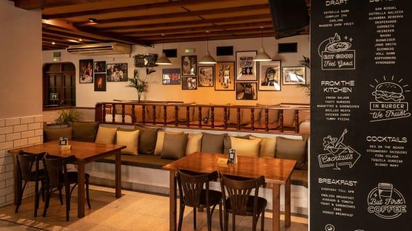 Johnny's Bar, Sant Josep De Sa Talaia