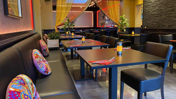 IRR Impressie 1 - India Roti Room, Amsterdam