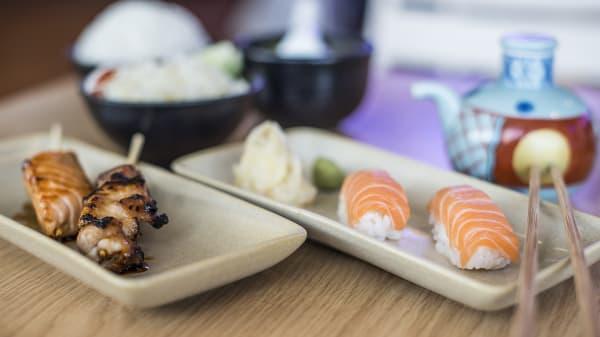 Menu sushi et yakitori - Paris Tokyo galeries lafayette coupole, Paris