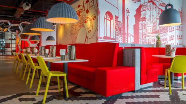 Vue de la salle - OUIBar  + KTCHN, Bruxelles