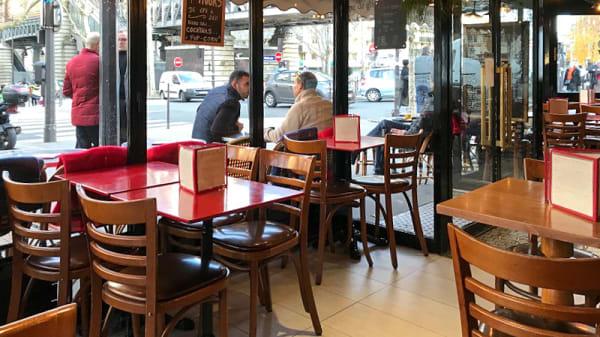 Salle du restaurant - La Halte des Taxis, Paris