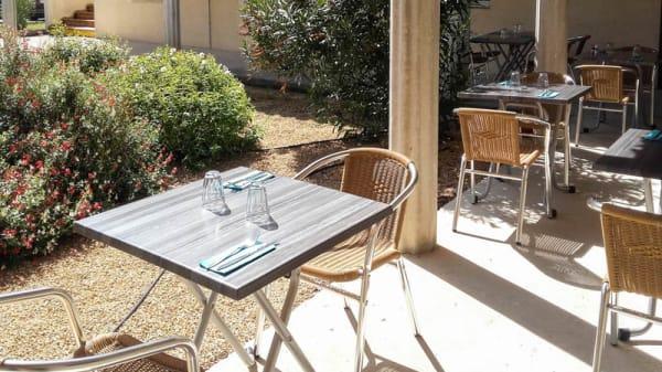 Salon du restaurant - La Tablée, Camaret-sur-Aigues