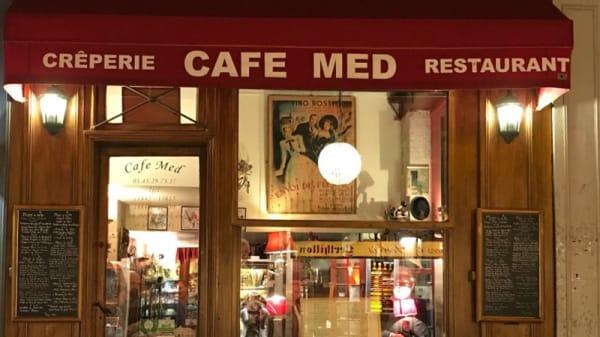 Façade - Café Med, Paris