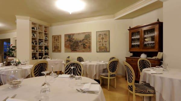 Vista sala - Il Gotha, Funo