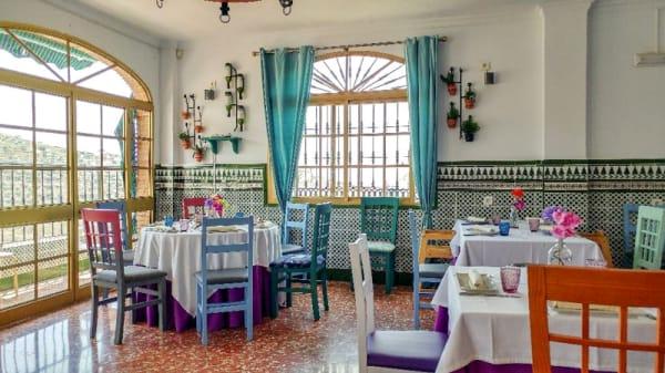 Sala del restaurante - Venta La Chalaúra, Benagalbon