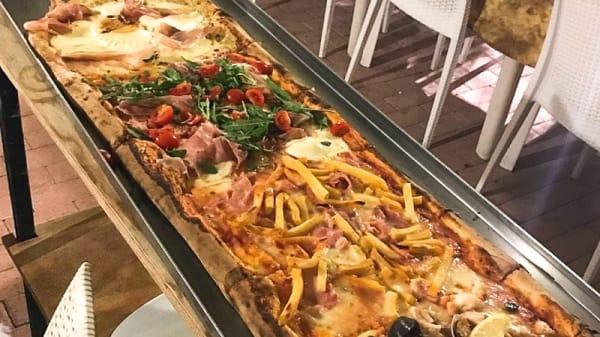 Pizza al metro - Capri New Style, Gallipoli