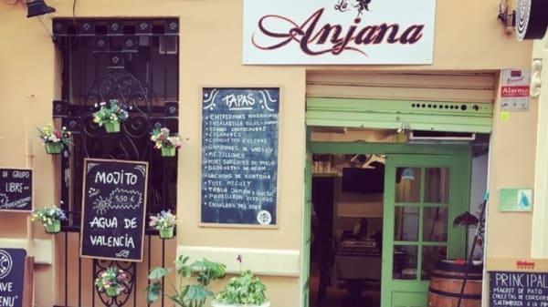 Fachada - La Anjana, Valencia