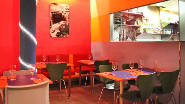 Cocina abierta a la sala - Mama Café, Barcelona
