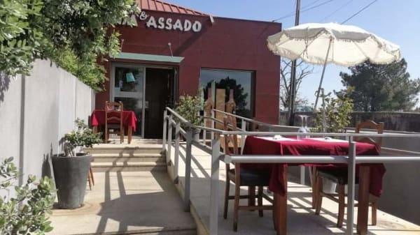 Assim & Assado, Avintes